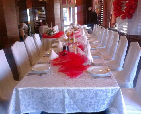 Dekoracje stołu na chrzest święty